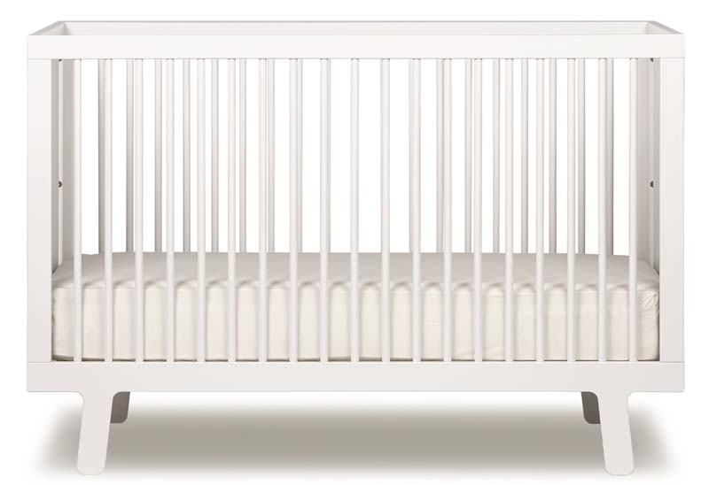Oeuf Sparrow crib. Sold also in the colors birch, grey and walnut.