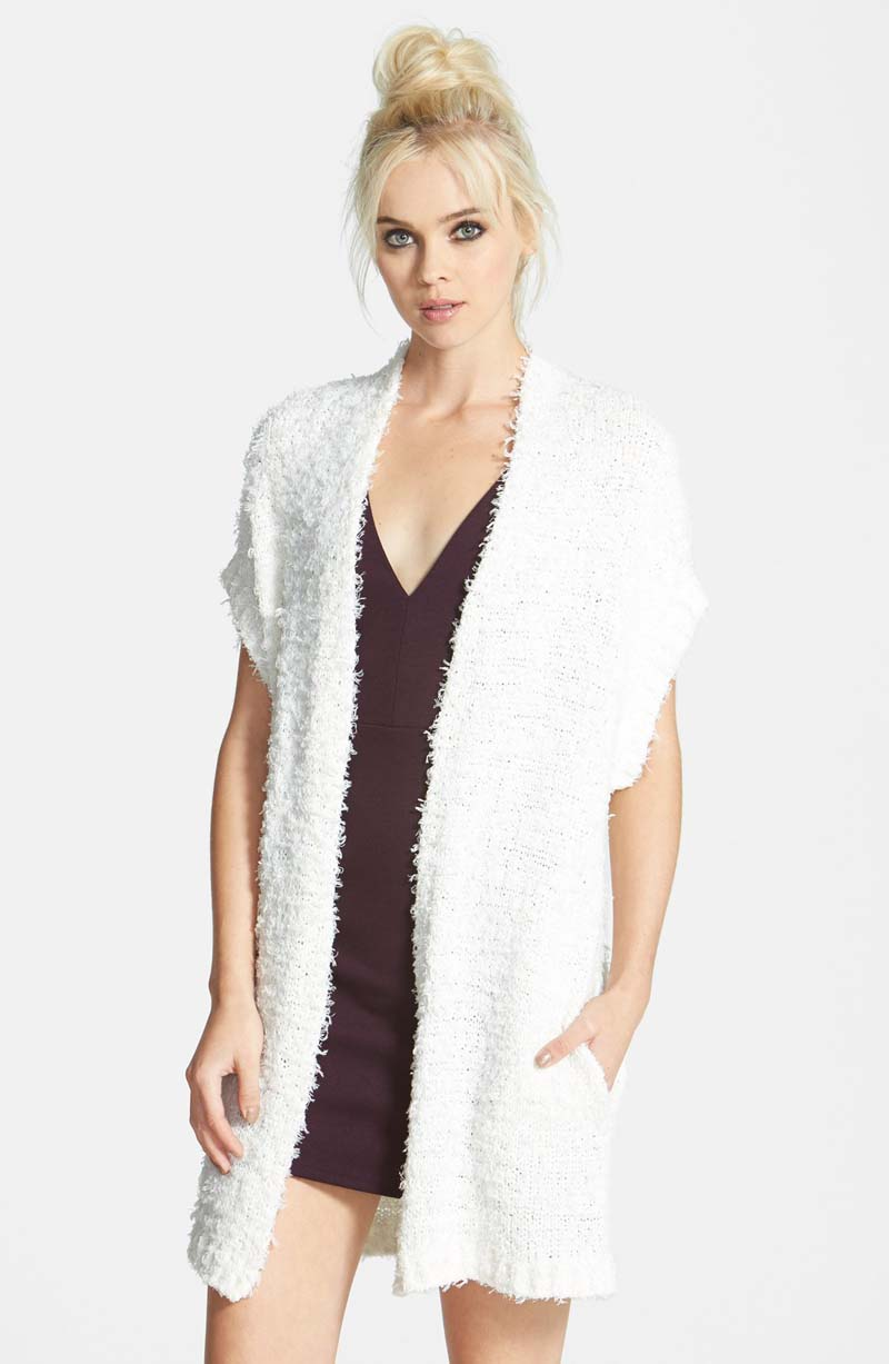 Nordstrom Leith Brand Open Vest Sweater in Black in Cream