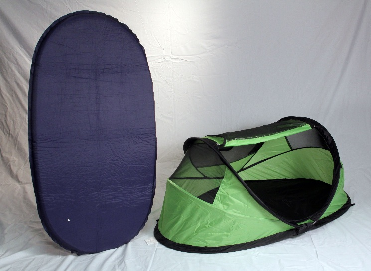 PeaPod Travel Bed (green) with Inflatable Air Mattress