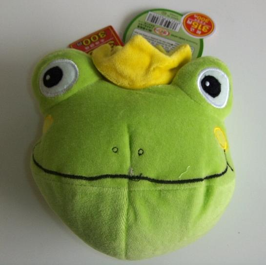 Picture of Recalled frog's head children's purse
