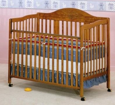 Picture of Recalled Fisher-Price logo Starbright Crib