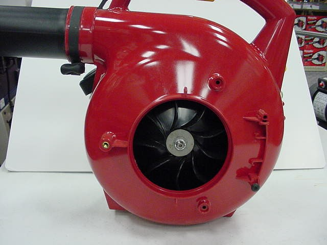 Picture of Recalled Blower with Missing Vacuum Inlet Cover