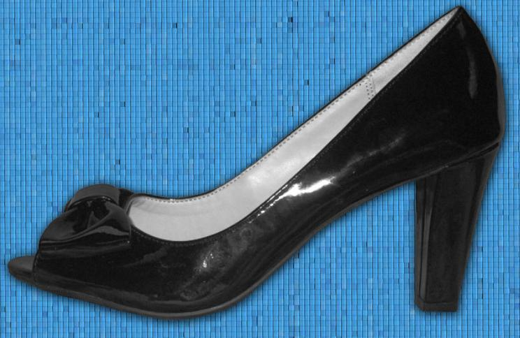 "Picture of recalled Naturalizer ""Dare"" Women's Dress Shoes"