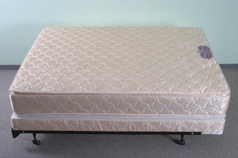 Picture of Recalled Mattress Set