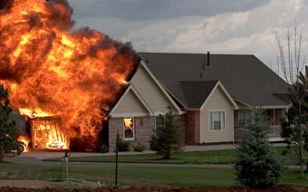 Proteja a su familia de un incendio en el hogar