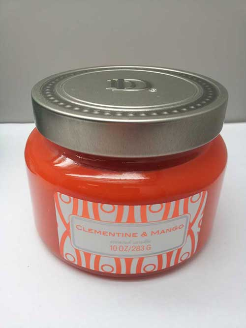 DD brand 10-ounce decorative jar candle