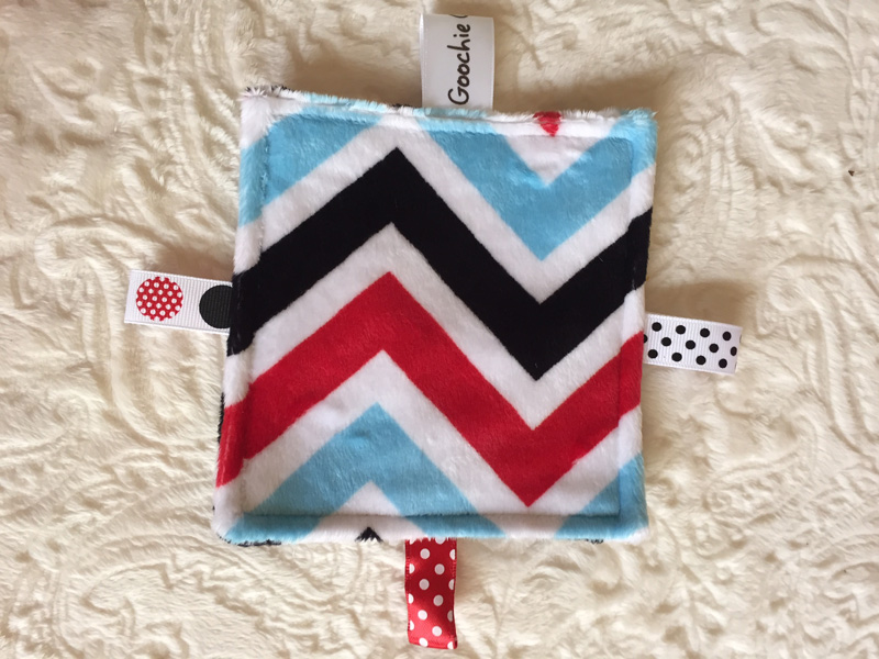 Colored Zig-Zag Pattern Sensory Grab Garbs Blanket