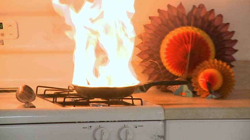 Stand by Your Pan: Protect Your Family from Cooking Fires and Food Poisoning this Thanksgiving Holiday