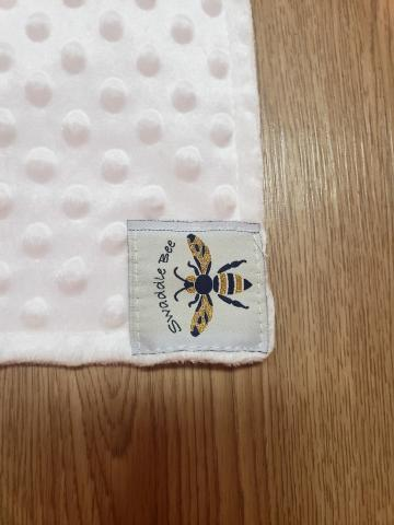 Swaddle Bee logo tag