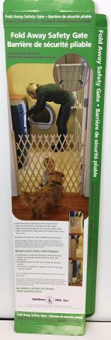 Recalled Madison Mill Foldaway Gate Packaging
