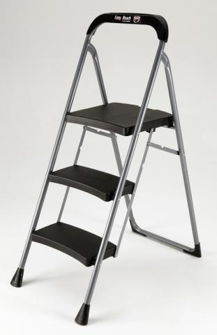 Picture of recalled 3-Step Pro Series step stool, model number HB3-PRO