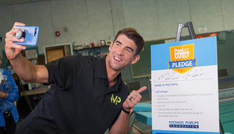 Michael Phelps takes his Pool Safely Pledge selfie