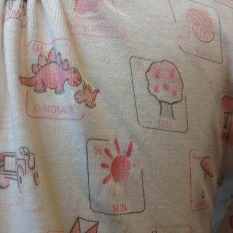 Babycotton Alphabet nightgown (close-up)