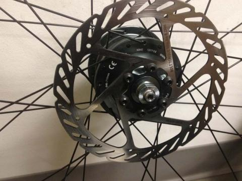 Specialized Front Hub