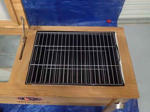 Top view of cooler / grill unit showing grill unit