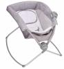 便携式午睡倾斜床为防止婴儿窒息被召回。其它生产商生产的倾斜睡眠产品被报告说在婴儿翻身或翻到一边,或其它情况下发生婴儿死亡事故。