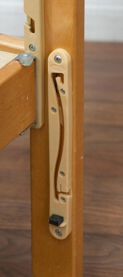 Picture of recalled Delta drop-side crib hardware