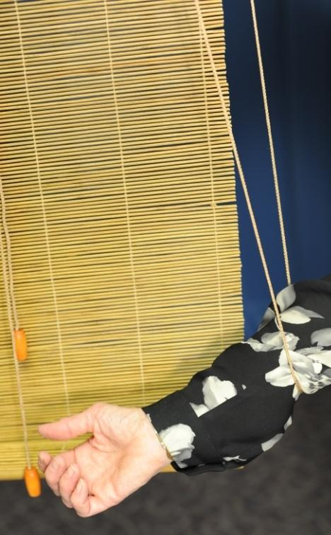 Picture of Recalled Roll-Up Blind showing cord